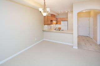 """Photo 10: 109 5605 HAMPTON Place in Vancouver: University VW Condo for sale in """"THE PEMBERLEY"""" (Vancouver West)  : MLS®# R2160612"""