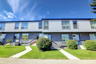 Main Photo: 30 6440 4 Street NW in Calgary: Thorncliffe Row/Townhouse for sale : MLS®# A1146838