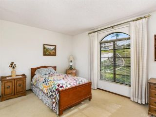 Photo 17: House for sale : 4 bedrooms : 2704 Crownpoint Place in Escondido