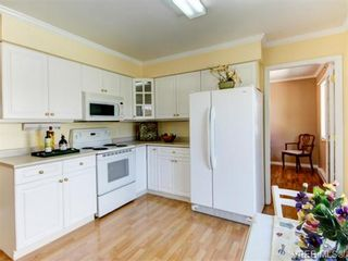 Photo 7: 10417 Finch Pl in SIDNEY: Si Sidney North-East House for sale (Sidney)  : MLS®# 744414