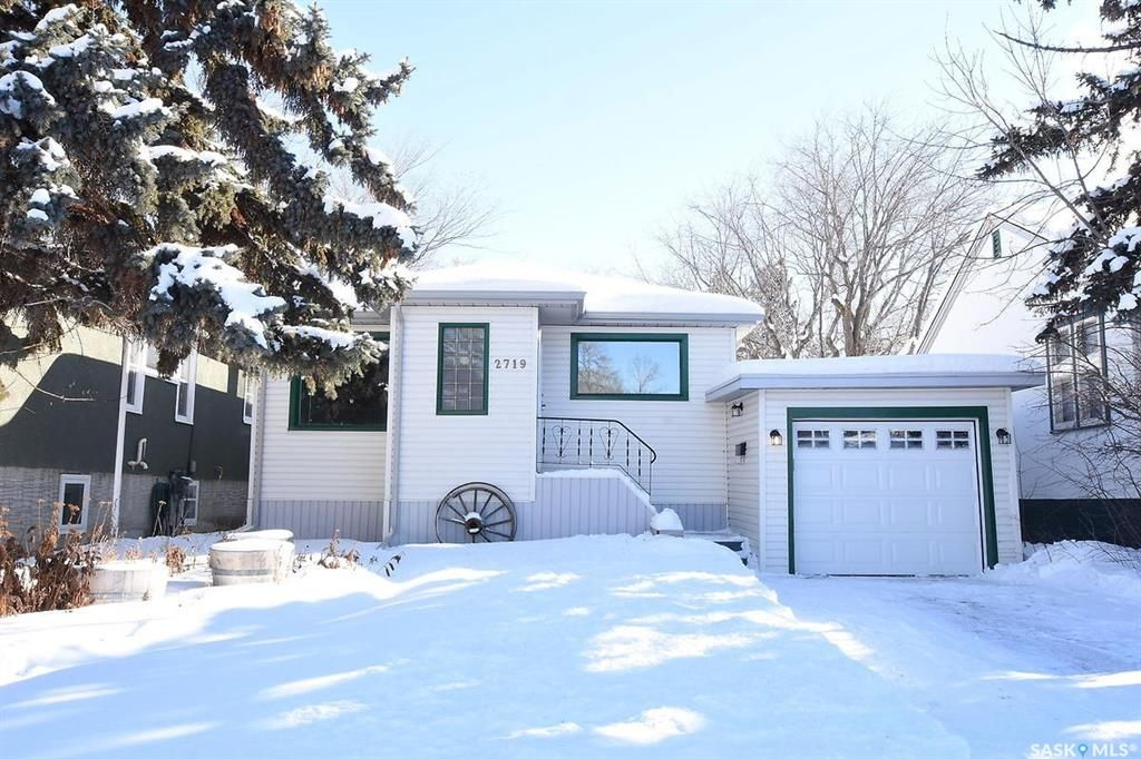 Main Photo: 2719 Robinson Street in Regina: Crescents Residential for sale : MLS®# SK759593