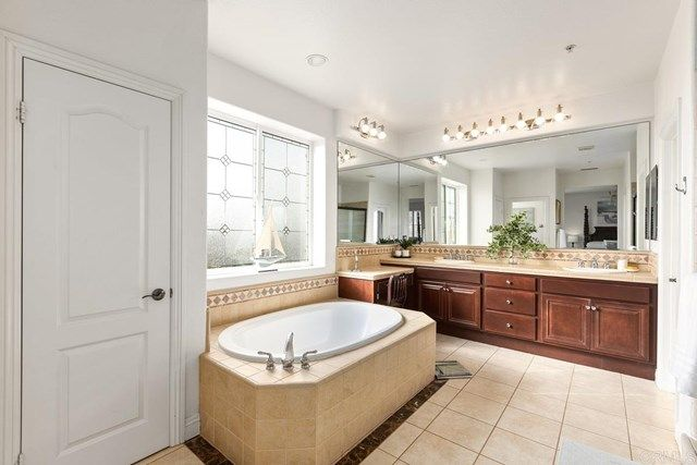 Photo 36: Photos: House for sale : 5 bedrooms : 1171 Adena Way in San Marcos