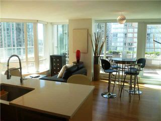 """Photo 7: 901 565 SMITHE Street in Vancouver: Downtown VW Condo for sale in """"VITA"""" (Vancouver West)  : MLS®# V878275"""
