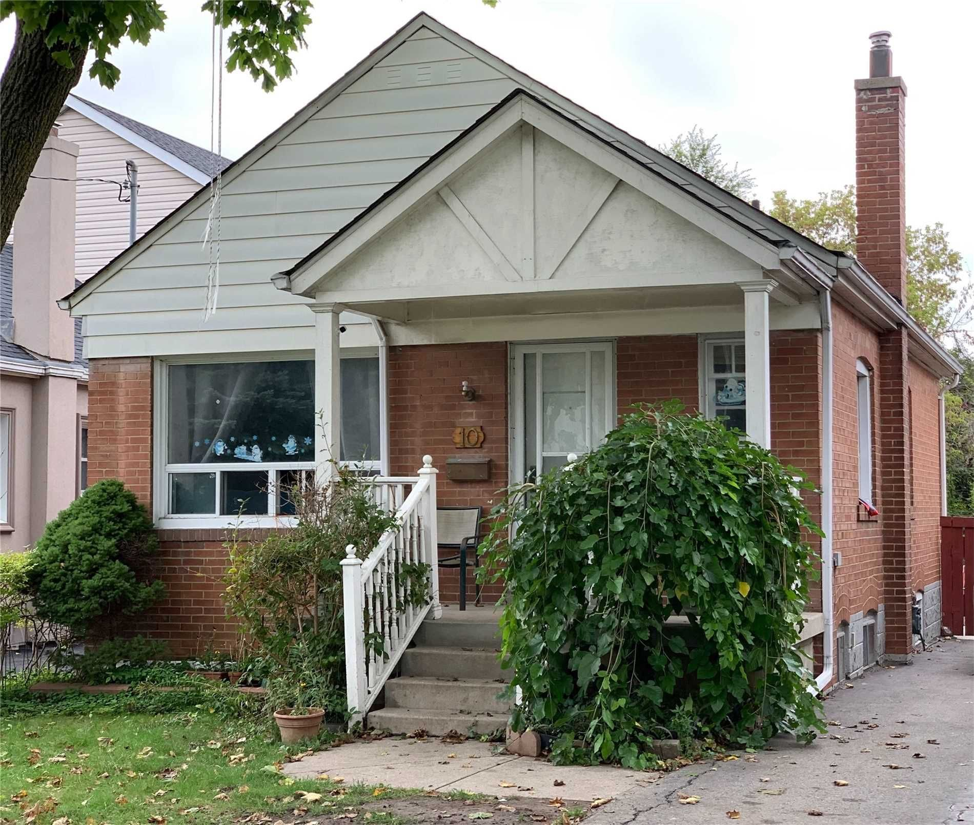 Main Photo: 10 Kentroyal Drive in Toronto: Humber Heights House (Bungalow) for sale (Toronto W09)  : MLS®# W5401227