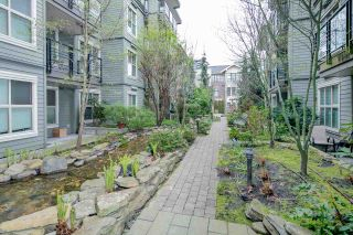 "Photo 2: PH2 3478 WESBROOK Mall in Vancouver: University VW Condo for sale in ""Spirit"" (Vancouver West)  : MLS®# R2360430"