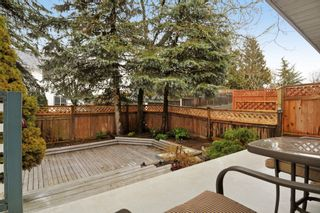 Photo 5: 18055 64TH Avenue in Surrey: Cloverdale BC House for sale (Cloverdale)  : MLS®# F1405345
