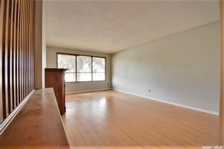 Photo 4: 342 Acadia Drive in Saskatoon: West College Park Residential for sale : MLS®# SK870792
