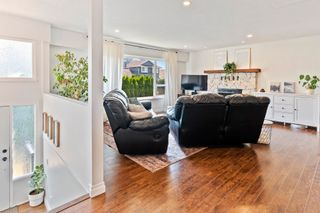 Photo 5: 7421 COTTONWOOD Street in Mission: Mission BC House for sale : MLS®# R2609151
