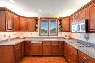 Photo 16: LA JOLLA House for sale : 4 bedrooms : 6226 Castejon Drive