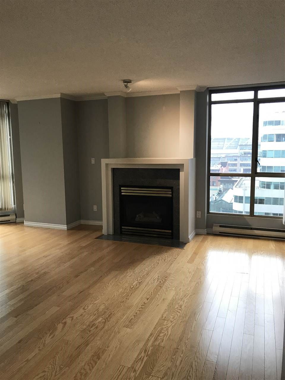 """Photo 9: Photos: 1001 867 HAMILTON Street in Vancouver: Downtown VW Condo for sale in """"JARDINE'S LOOKOUT"""" (Vancouver West)  : MLS®# R2248805"""