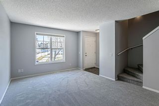 Photo 3: 144 Elgin Gardens SE in Calgary: McKenzie Towne Row/Townhouse for sale : MLS®# A1094770