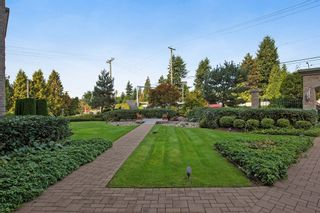 "Photo 4: 205 14824 N BLUFF Road: White Rock Condo for sale in ""Belaire"" (South Surrey White Rock)  : MLS®# R2005655"
