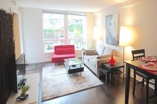 Photo 3: 209 1055 Richards Street in Vancouver: Yaletown Condo for sale (Vancouver West)  : MLS®# R2220082