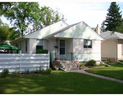 Main Photo: 115 BANK Avenue in WINNIPEG: St Vital Residential for sale (South East Winnipeg)  : MLS®# 2815561