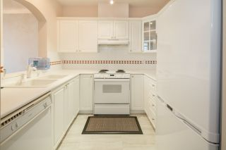 """Photo 10: 424 5735 HAMPTON Place in Vancouver: University VW Condo for sale in """"THE BRISTOL"""" (Vancouver West)  : MLS®# R2089094"""