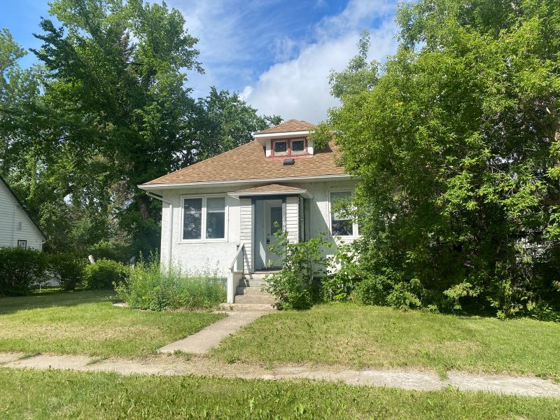FEATURED LISTING: 182 Griffin Street Treherne