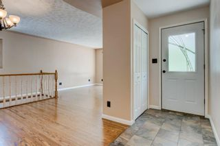 Photo 4: 6131 Lacombe Way SW in Calgary: Lakeview Detached for sale : MLS®# A1129548