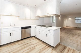 Photo 10: 206 225 24TH Street in West Vancouver: Dundarave Condo for sale : MLS®# R2543989