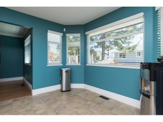 "Photo 9: 15552 VISTA Drive: White Rock House for sale in ""VISTA HILLS"" (South Surrey White Rock)  : MLS®# R2062767"