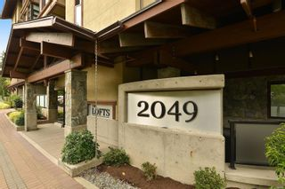 Photo 3: 302 2049 Country Club Way in : La Bear Mountain Condo for sale (Langford)  : MLS®# 882645