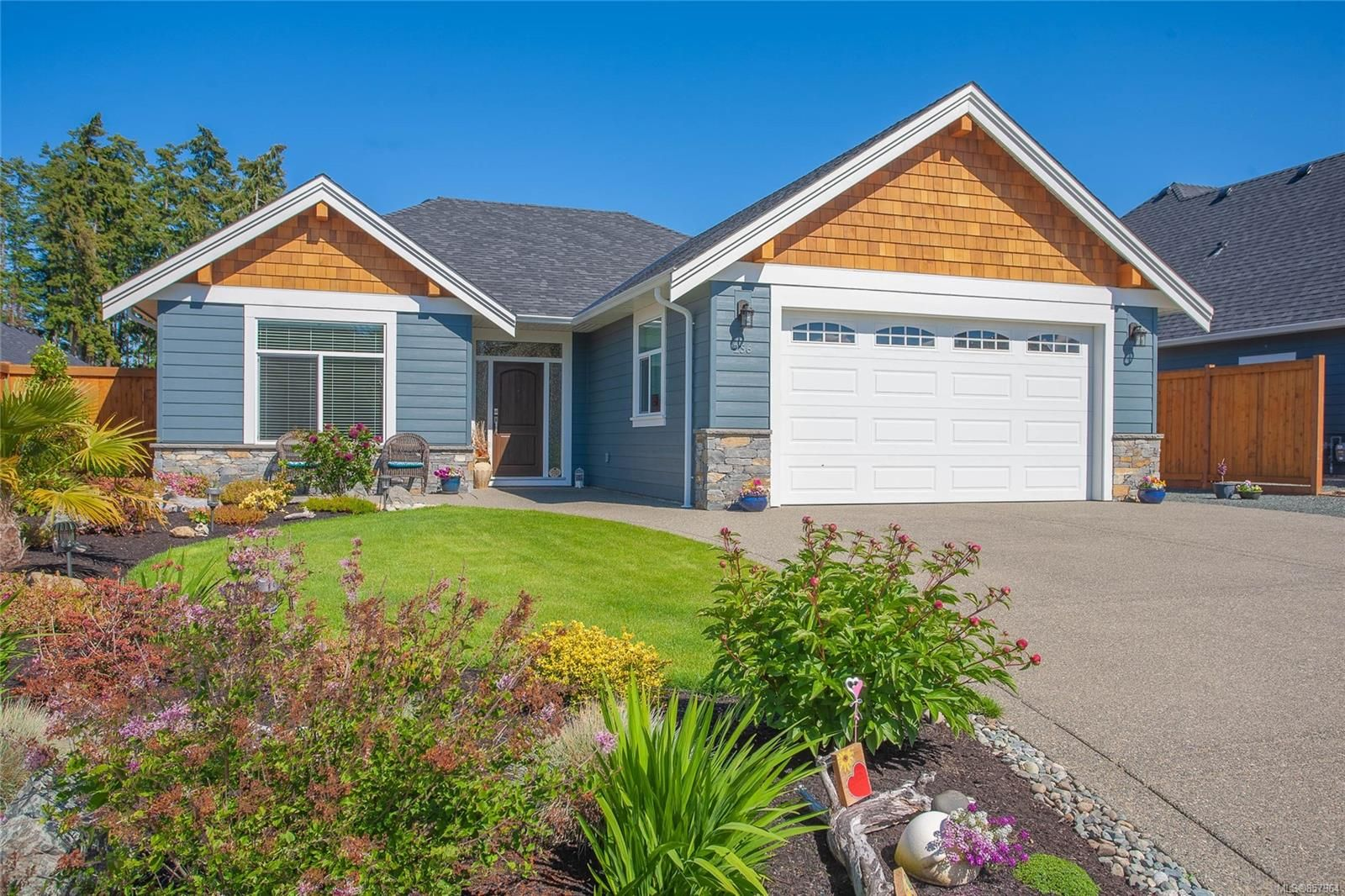 Main Photo: 256 Bramble St in : PQ Parksville House for sale (Parksville/Qualicum)  : MLS®# 857964