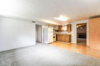 "Photo 17: 5246 SPRUCE Street in Burnaby: Deer Lake Place House for sale in ""DEER LAKE PLACE"" (Burnaby South)  : MLS®# R2151771"