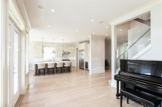 Photo 10: 1878 140A STREET in Surrey: Sunnyside Park Surrey House for sale (South Surrey White Rock)  : MLS®# R2575124
