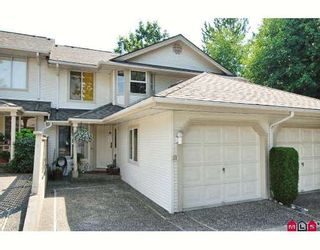 "Photo 1: 38 9045 WALNUT GROVE Drive in Langley: Walnut Grove Townhouse for sale in ""BRIDLEWOOD"" : MLS®# F2916191"