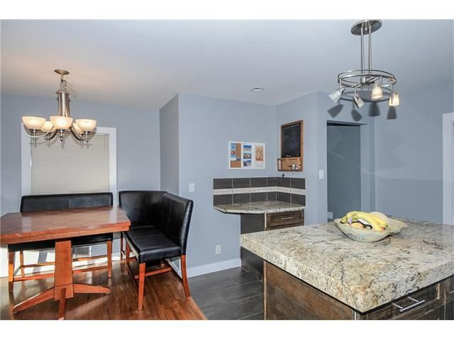 Photo 5: Photos: 1912 GLENWOOD Drive SW in Calgary: Glendale House for sale : MLS®# C4093243