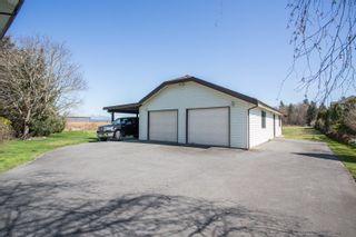 Photo 3: 3316 168 Street in Surrey: Serpentine House for sale (Cloverdale)  : MLS®# R2354337