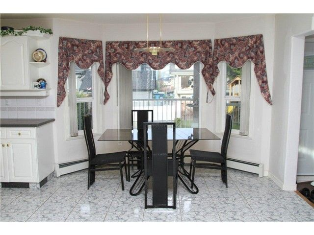 """Photo 2: Photos: 8557 11TH Avenue in Burnaby: The Crest House for sale in """"CARIBOO-CUMBERLAND"""" (Burnaby East)  : MLS®# V885657"""
