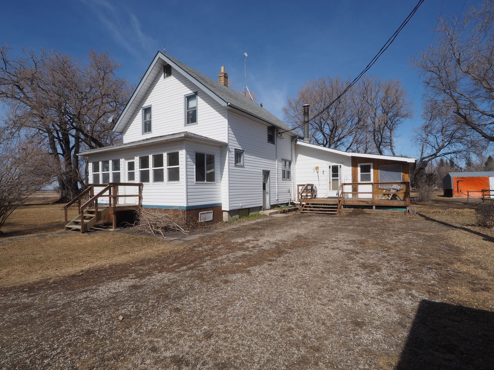 Main Photo: 68151 Road 34 W in Portage la Prairie RM: House for sale : MLS®# 202107756