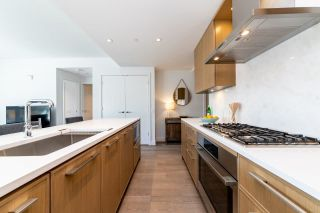 """Photo 5: 308 3220 CONNAUGHT Crescent in North Vancouver: Edgemont Condo for sale in """"The Connaught"""" : MLS®# R2405585"""