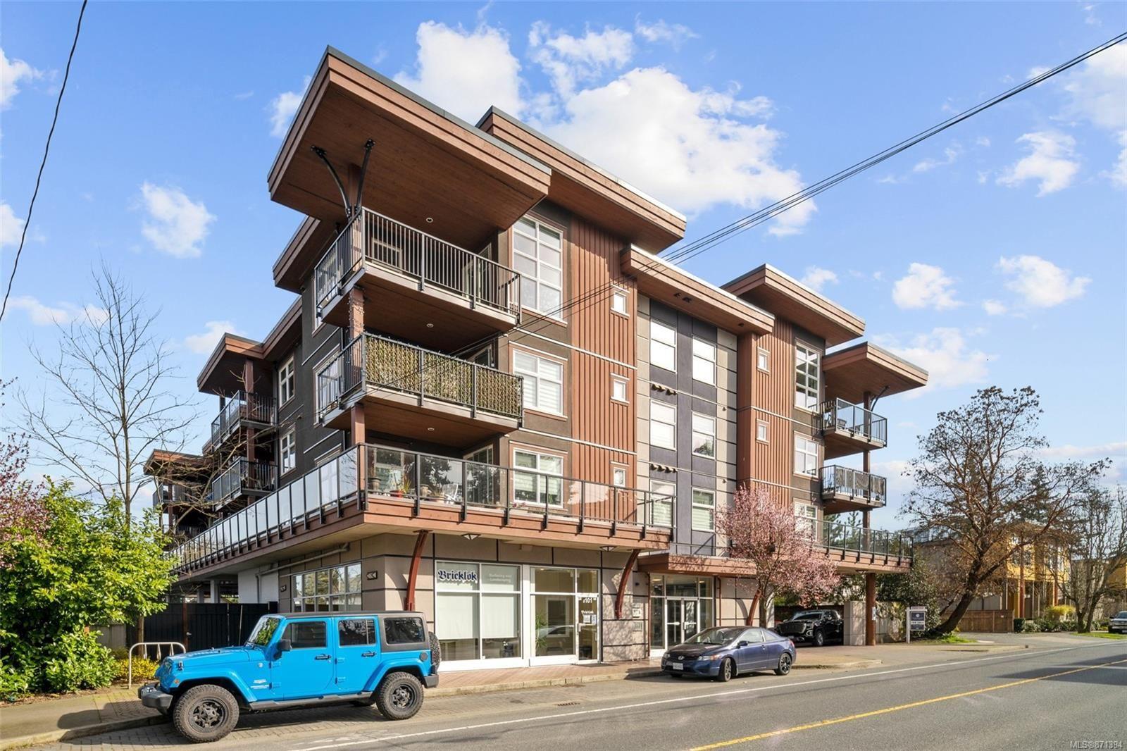 Main Photo: 205 2717 Peatt Rd in : La Langford Proper Condo for sale (Langford)  : MLS®# 871394