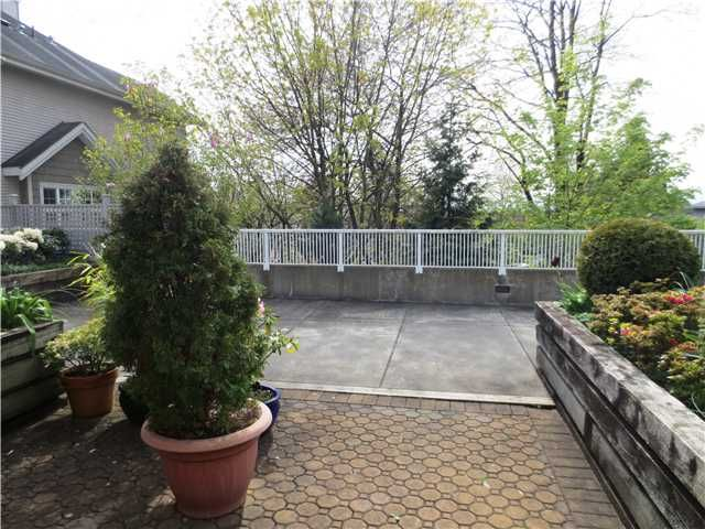 Photo 3: Photos: # 13 240 TENTH ST in New Westminster: Uptown NW Condo for sale : MLS®# V1118355