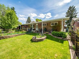 Photo 4: 45 Foxwell Road SE in Calgary: Fairview Detached for sale : MLS®# A1118870