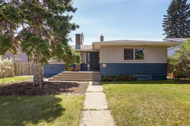 Main Photo:  in Calgary: Haysboro Detached for sale : MLS®# A1028033