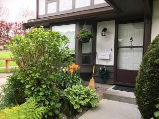 """Photo 2: 5 8540 COOK Road in Richmond: Brighouse Townhouse for sale in """"'Caroline Place'"""" : MLS®# R2164413"""