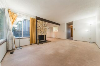 Photo 2: 3951 GARDEN GROVE DRIVE in Burnaby: Greentree Village Townhouse for sale (Burnaby South)  : MLS®# R2439566