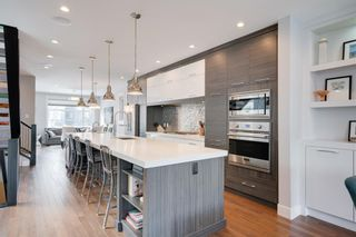 Main Photo: 522 37 Street SW in Calgary: Spruce Cliff Detached for sale : MLS®# A1069678
