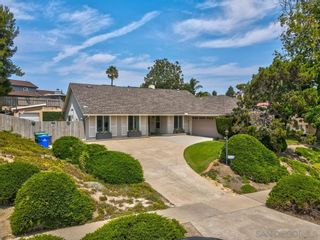 Photo 2: SAN CARLOS House for sale : 4 bedrooms : 6762 Golfcrest Dr in San Diego