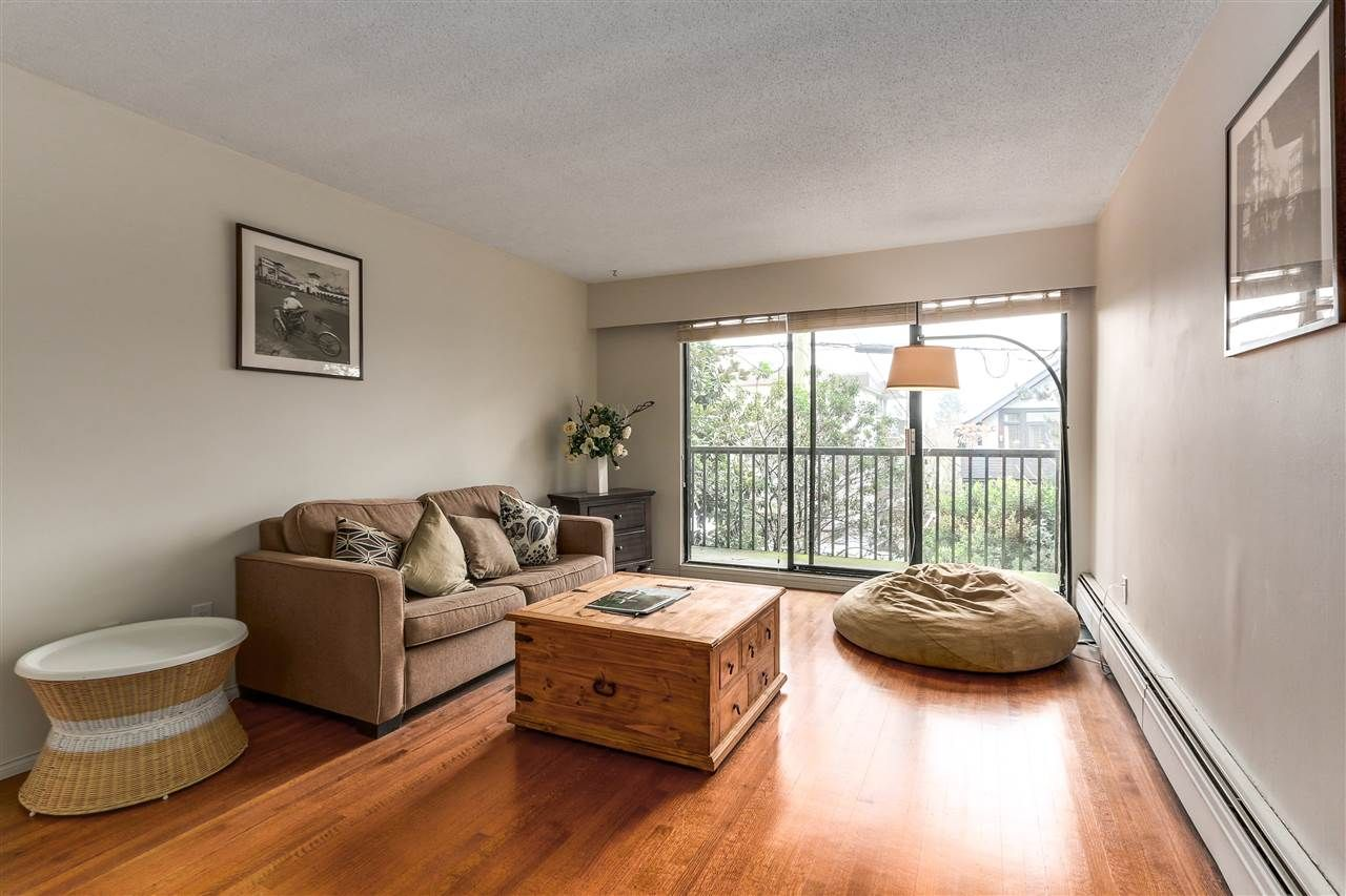 Photo 3: Photos: 213 2125 W 2ND Avenue in Vancouver: Kitsilano Condo for sale (Vancouver West)  : MLS®# R2230059
