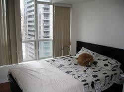 Photo 10: 1811 750 Bay Street in Toronto: Bay Street Corridor Condo for lease (Toronto C01)  : MLS®# C5301954