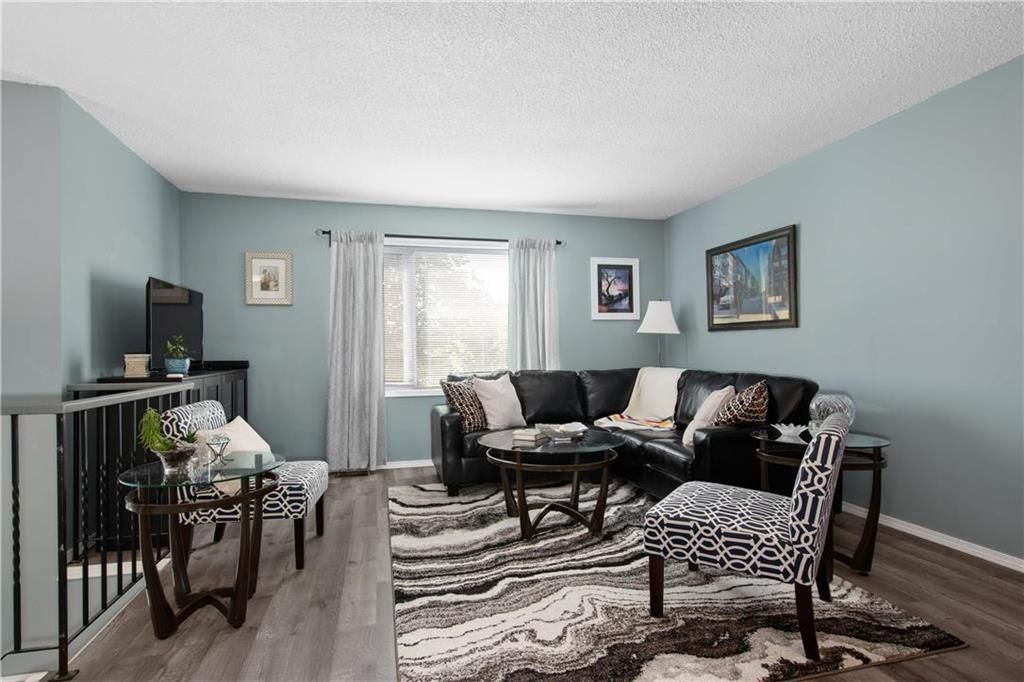Photo 3: Photos: 57 Maitland Drive in Winnipeg: River Park South Residential for sale (2F)  : MLS®# 202116351