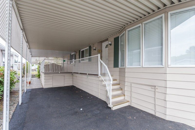 """Photo 5: Photos: 34 1640 162 Street in Surrey: King George Corridor Manufactured Home for sale in """"Cherry Brook Park"""" (South Surrey White Rock)  : MLS®# R2078301"""
