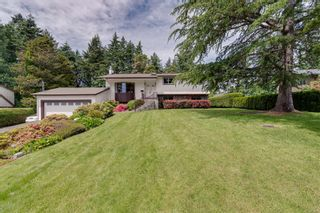 Photo 1: 1956 Sandover Cres in : NS Dean Park House for sale (North Saanich)  : MLS®# 876807