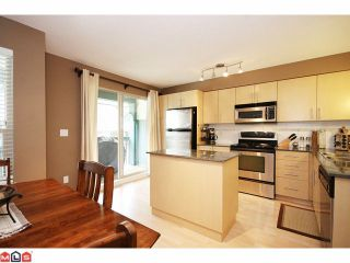 """Photo 4: 84 19250 65TH Avenue in Surrey: Clayton Townhouse for sale in """"SUNBERRY COURT"""" (Cloverdale)  : MLS®# F1012417"""