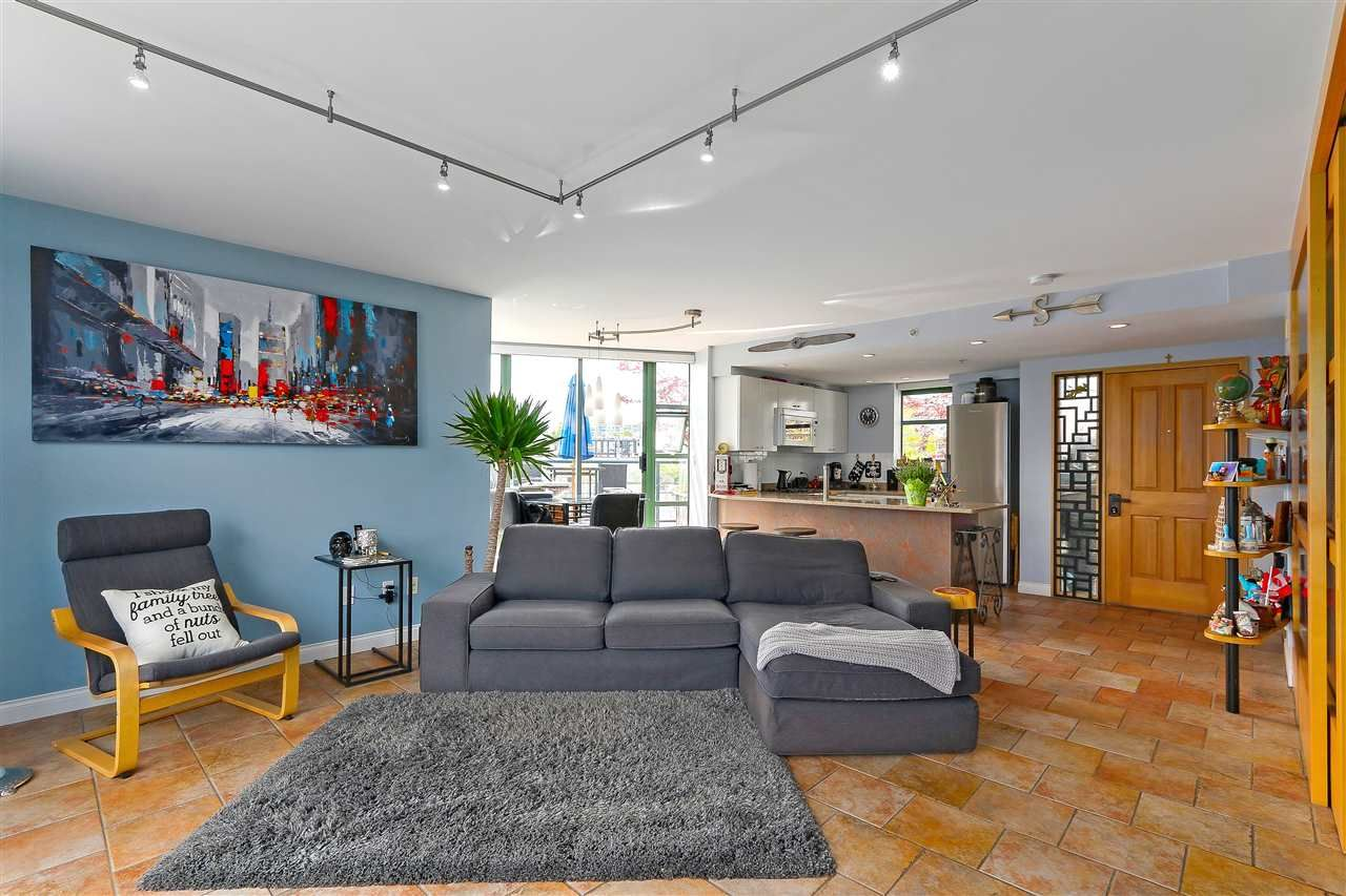 """Photo 7: Photos: 301 1630 W 1ST Avenue in Vancouver: False Creek Condo for sale in """"THE GALLERIA"""" (Vancouver West)  : MLS®# R2383041"""