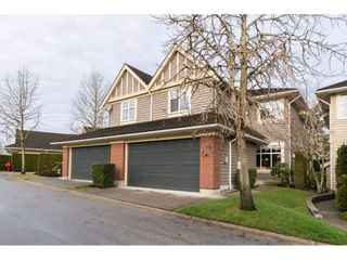 """Photo 1: 31 15450 ROSEMARY HEIGHTS Crescent in Surrey: Morgan Creek Townhouse for sale in """"THE CARRINGTON"""" (South Surrey White Rock)  : MLS®# R2133109"""