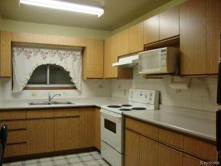 Photo 8: 880 REDWOOD Avenue in WINNIPEG: North End Residential for sale (North West Winnipeg)  : MLS®# 1402237